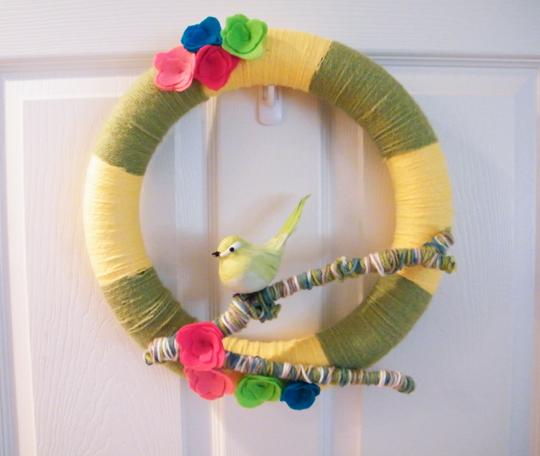 DIY: Yarn Spring Wreath