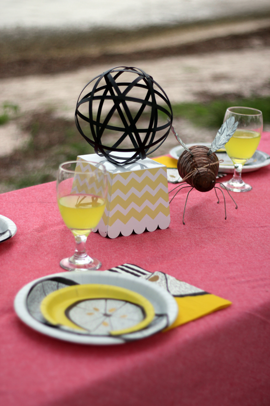 Summer Picnic Tablescape